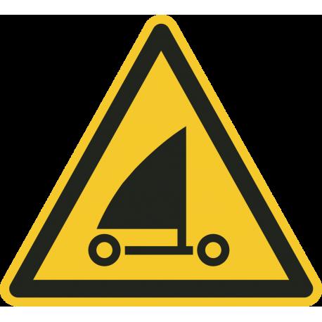 """Schilder """"Warnung vor Strandseglern"""""""